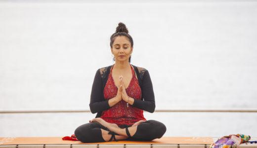 18:30~18:40|メイン|Mantra Meditation|Abundance Studio
